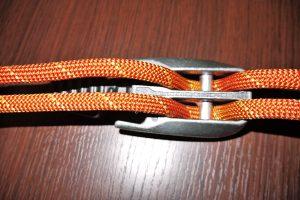 Tre con cuerdas pasadas